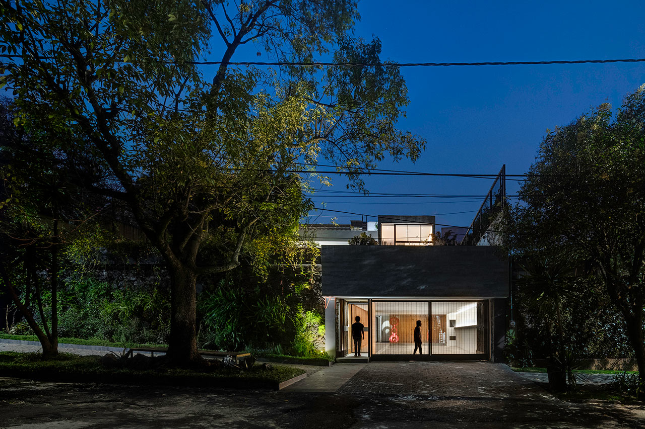 Cachai House Goes From Abandoned to Modern Perfection