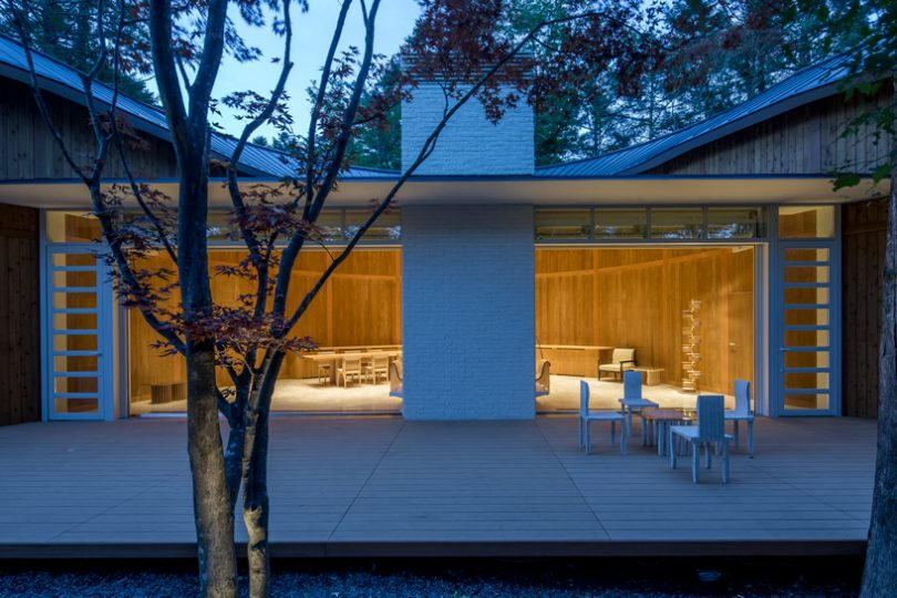 Shigeru Ban Designs a Sinuous, Restorative Retreat in Japan?s Woodlands
