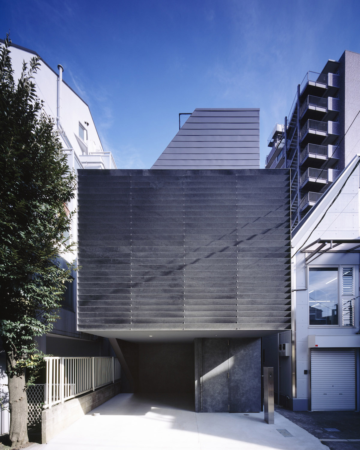 TRANE by APOLLO Architects & Associates
