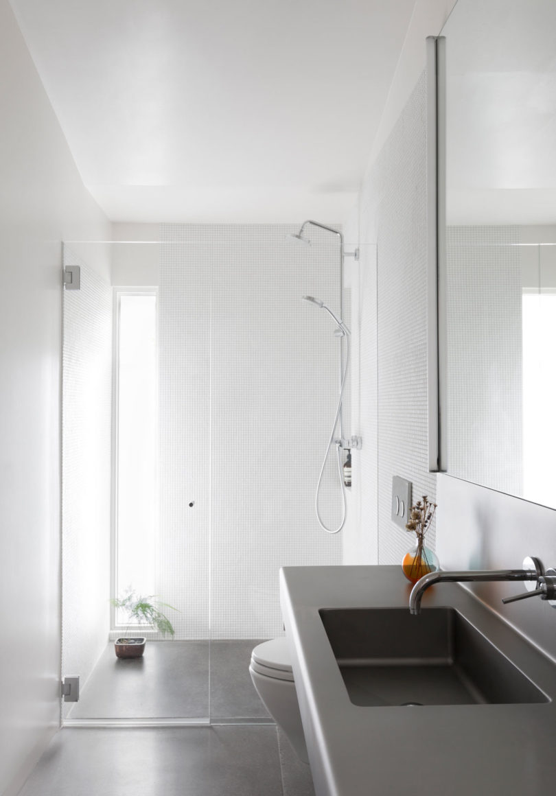 ranch house design bathroom