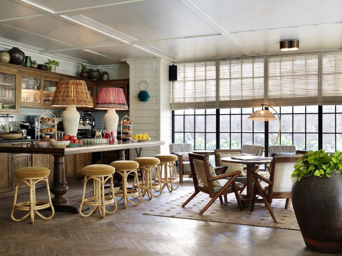 "Soho House Mumbai Adapts their Design Language to the ""Beverly Hills of Bollywood"""