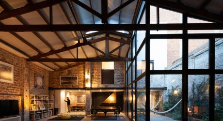 The Theatre Goes from Warehouse to a Modern Home in Barcelona