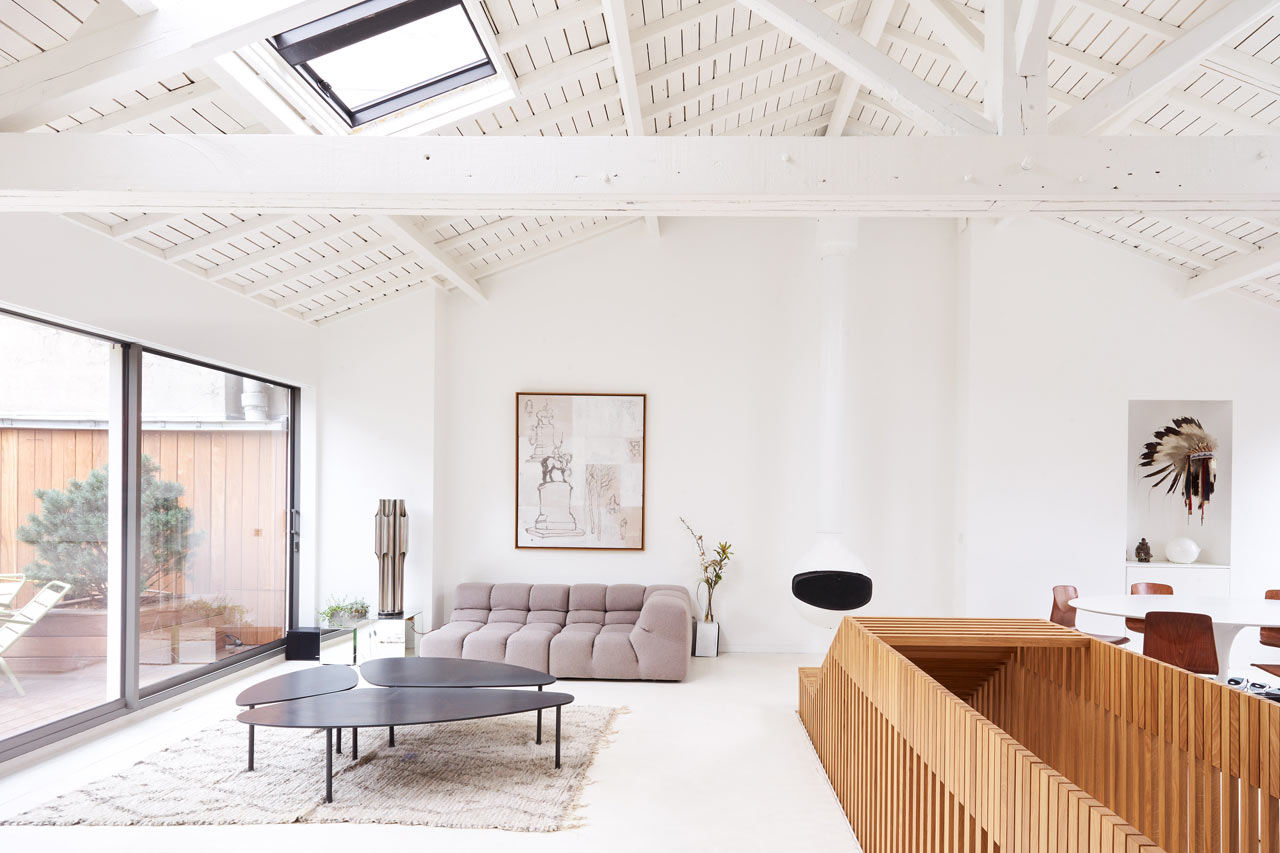 A Renovated Penthouse in Paris by 05 AM arquitectura