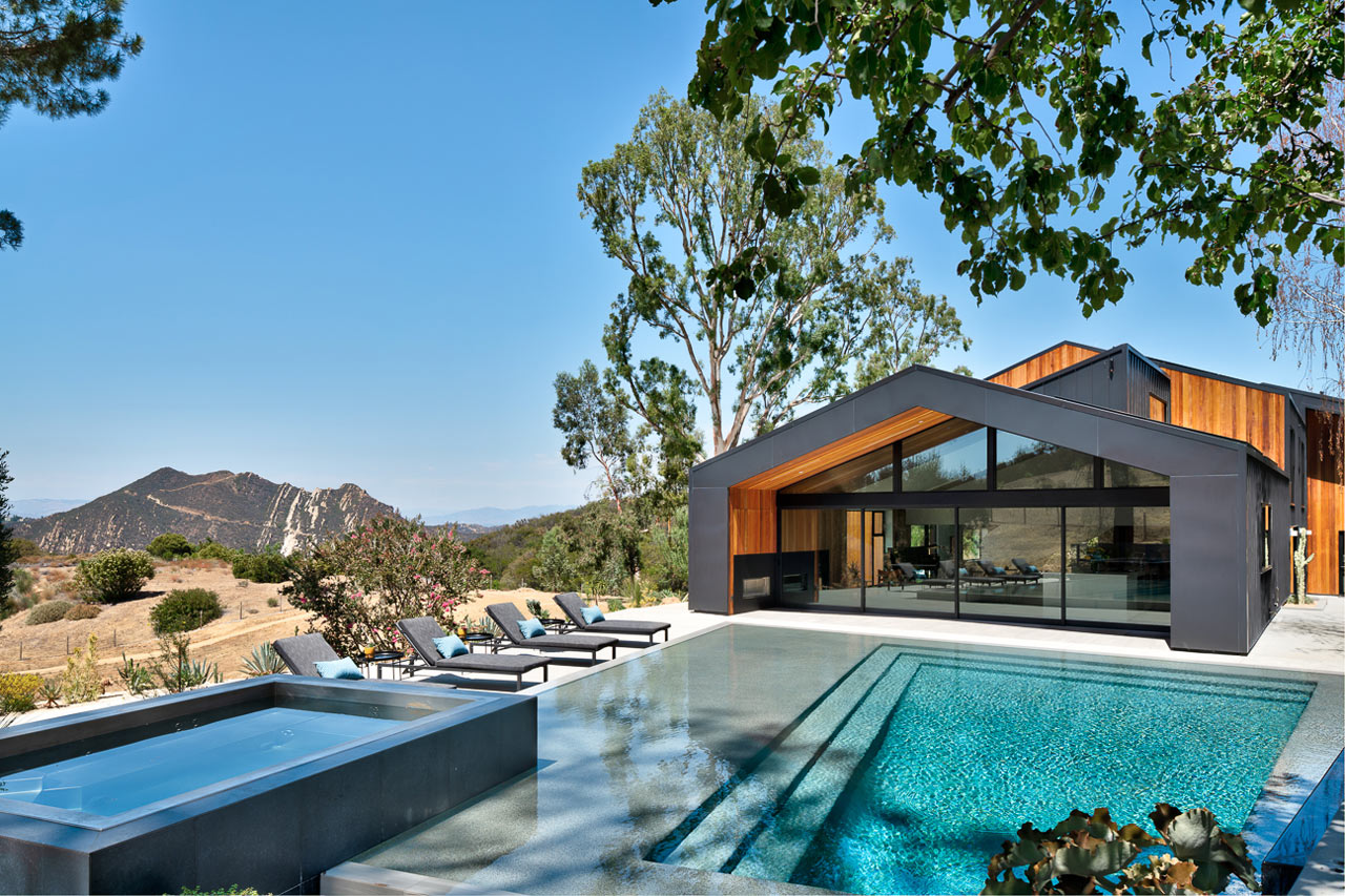 The Saddle Peak Residence Situated in the Santa Monica Mountains
