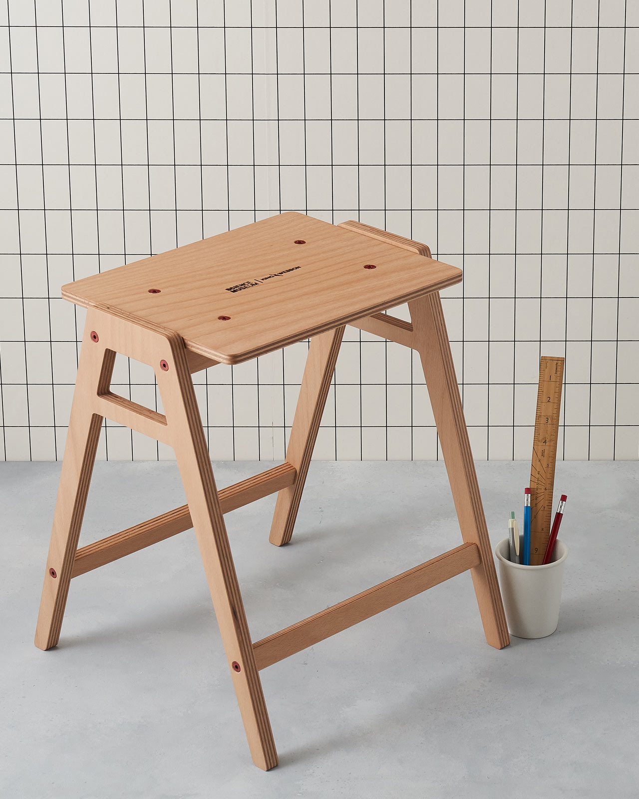 """backReturn to """"The Stackable, Flat-Pack Lab Stool by King & Webbon"""""""