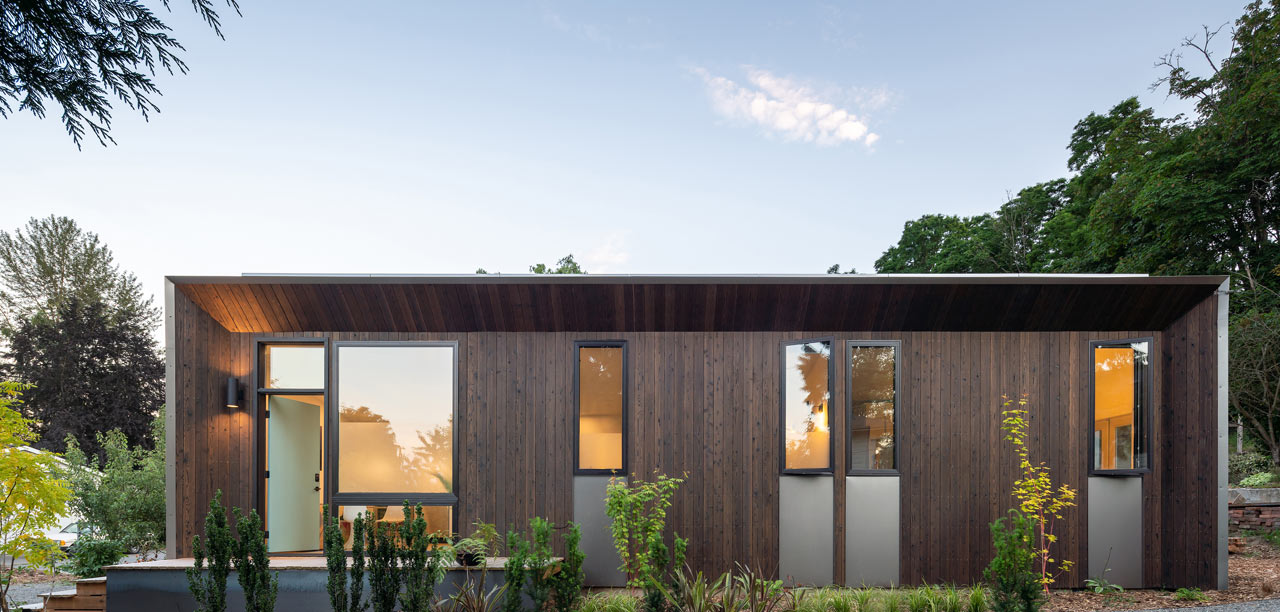 This One-Bedroom, Backyard Prefab in West Seattle Runs on Solar Power