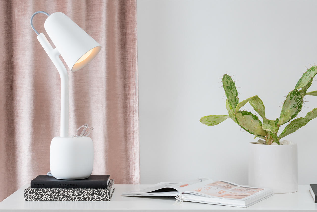 The Suyo Table Light Is 3D Printed, Practical, and Thoughtful