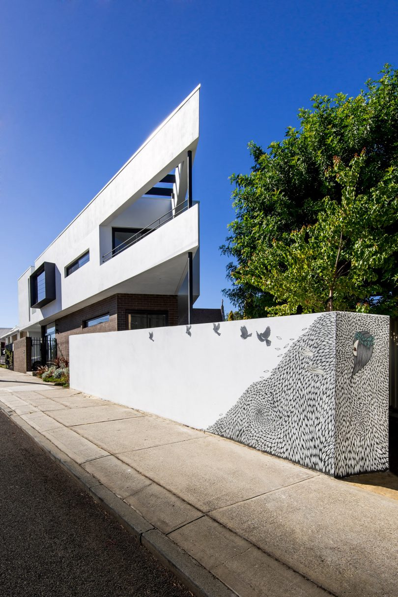 Robeson Architects Designs the Triangle House on a Wedge of Land in Perth