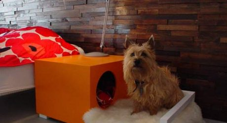 Hunde Hus Dog House and Bedside Table