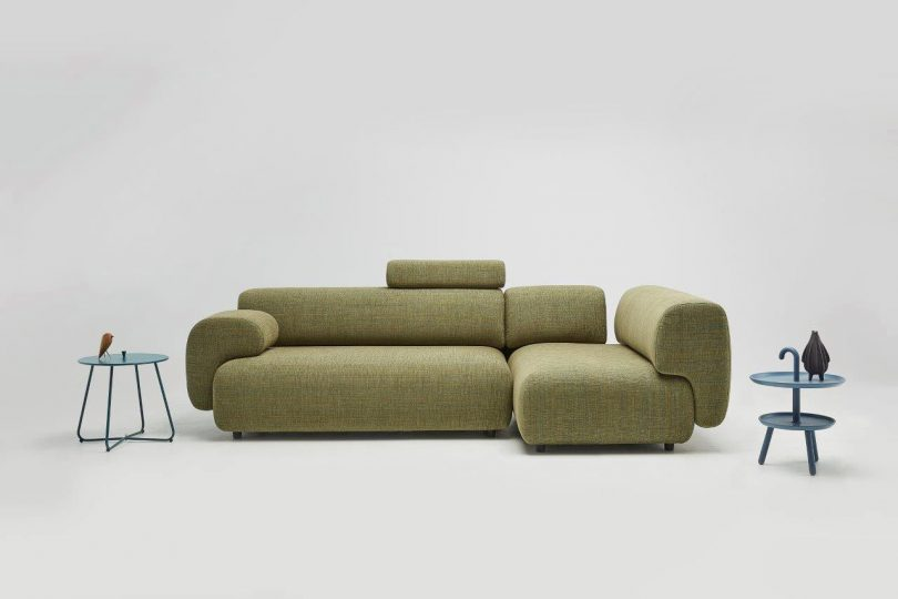 A Modular Sofa System Inspired by Tiny Water Particles in the Air