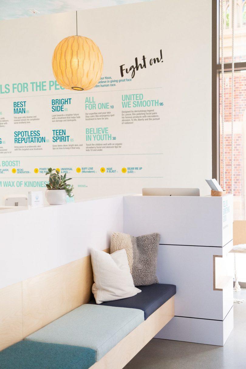 Klinik kecantikan dengan design keren