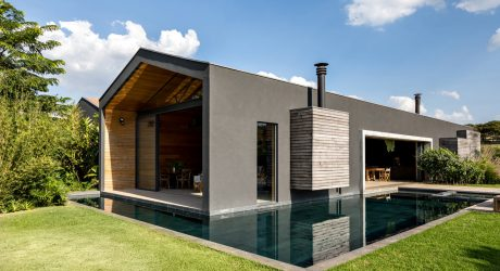 A Brazilian Holiday Retreat Designed for Social Interaction
