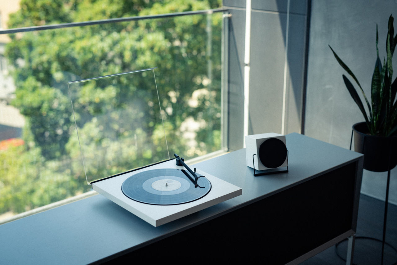 TONE Factory Turntable Plays to a Minimalist Tune