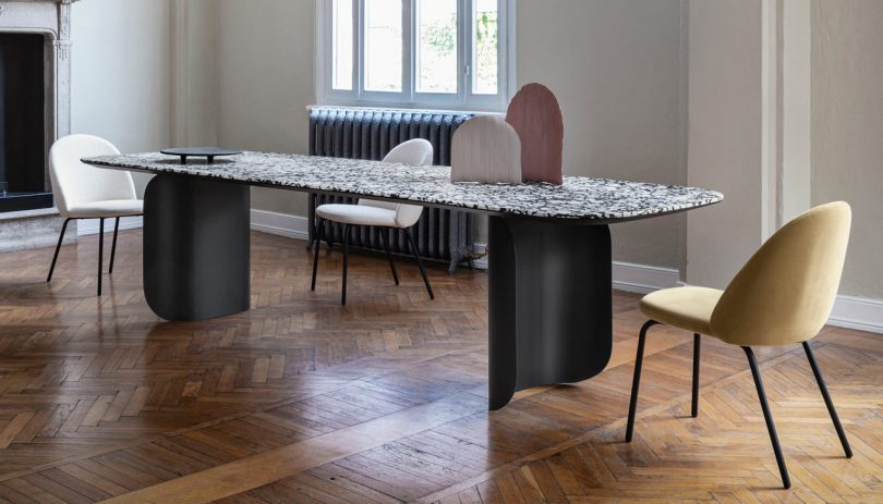 MINIFORMS' Barry Table Changes Mass Depending on Visual Perception