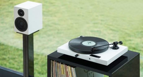 Pro-Ject Juke Box E HiFi Set Is Analogous to Audio Made Simple