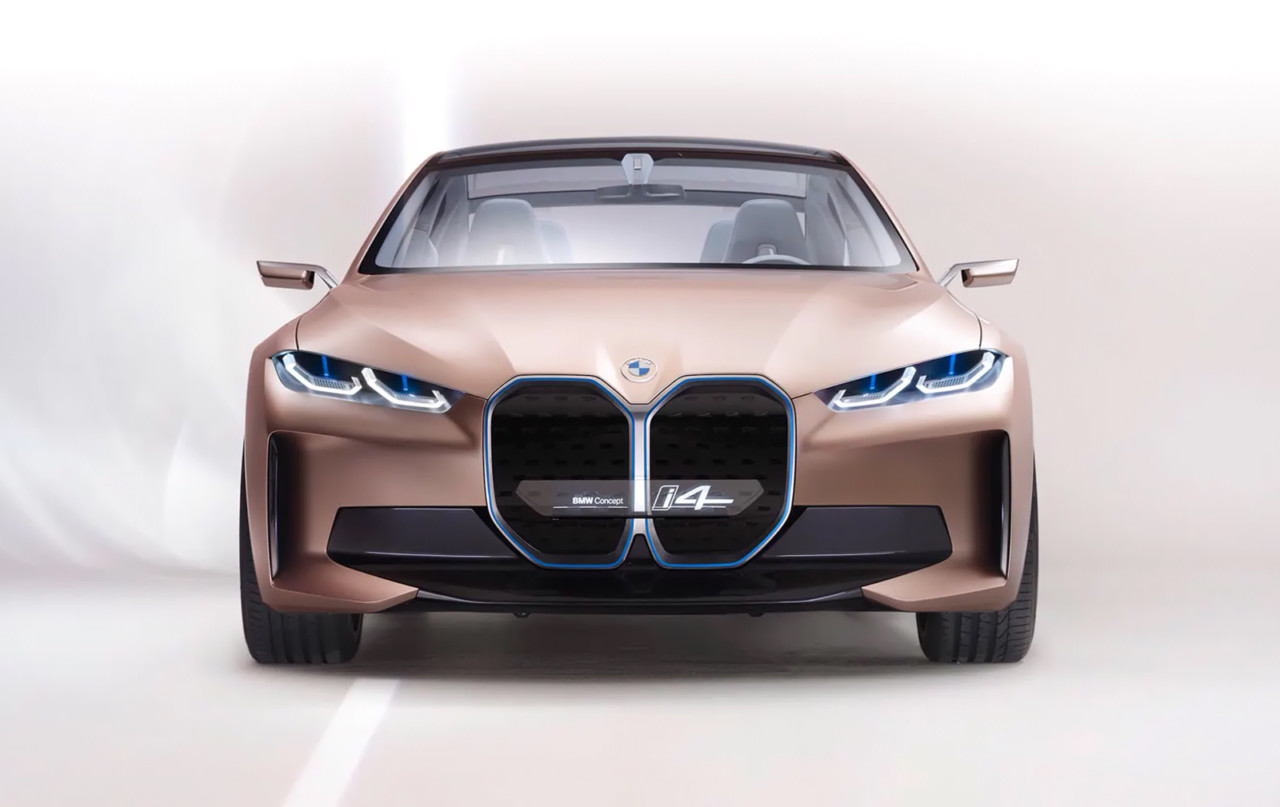 The BMW Concept i4 Loops Back Around to Show All-Electric Gran Coupe