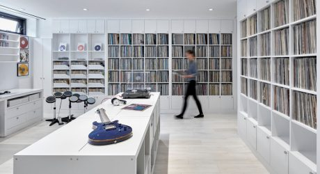 A Contemporary Home in Toronto Fit for Music Enthusiasts