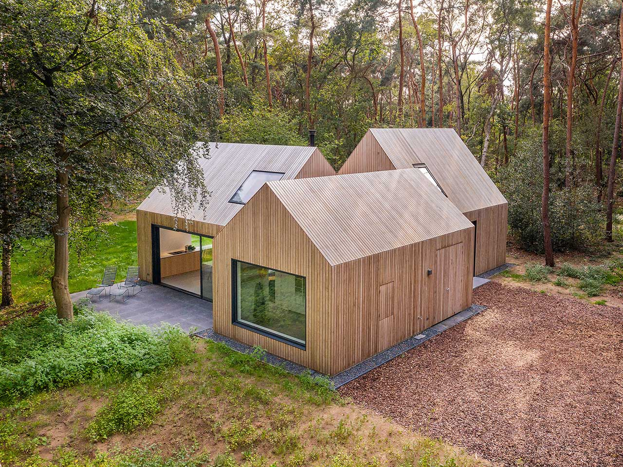 A Relaxing Holiday Retreat in the Woods Is a Respite From City Life