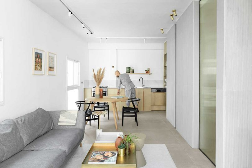 A Hotel-Like Apartment in Tel Aviv for the New Urban Lifestyle
