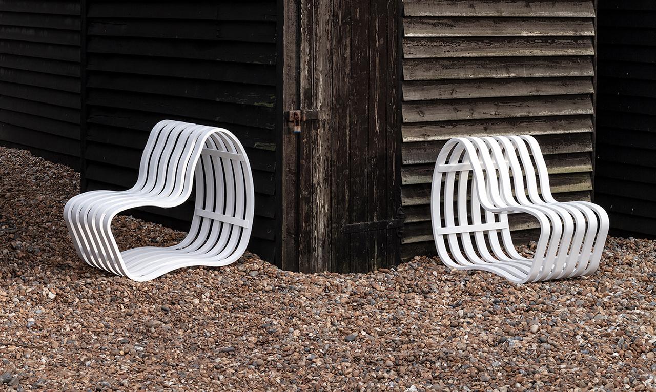 The Sleek + Adaptable Curve Outdoor Bench