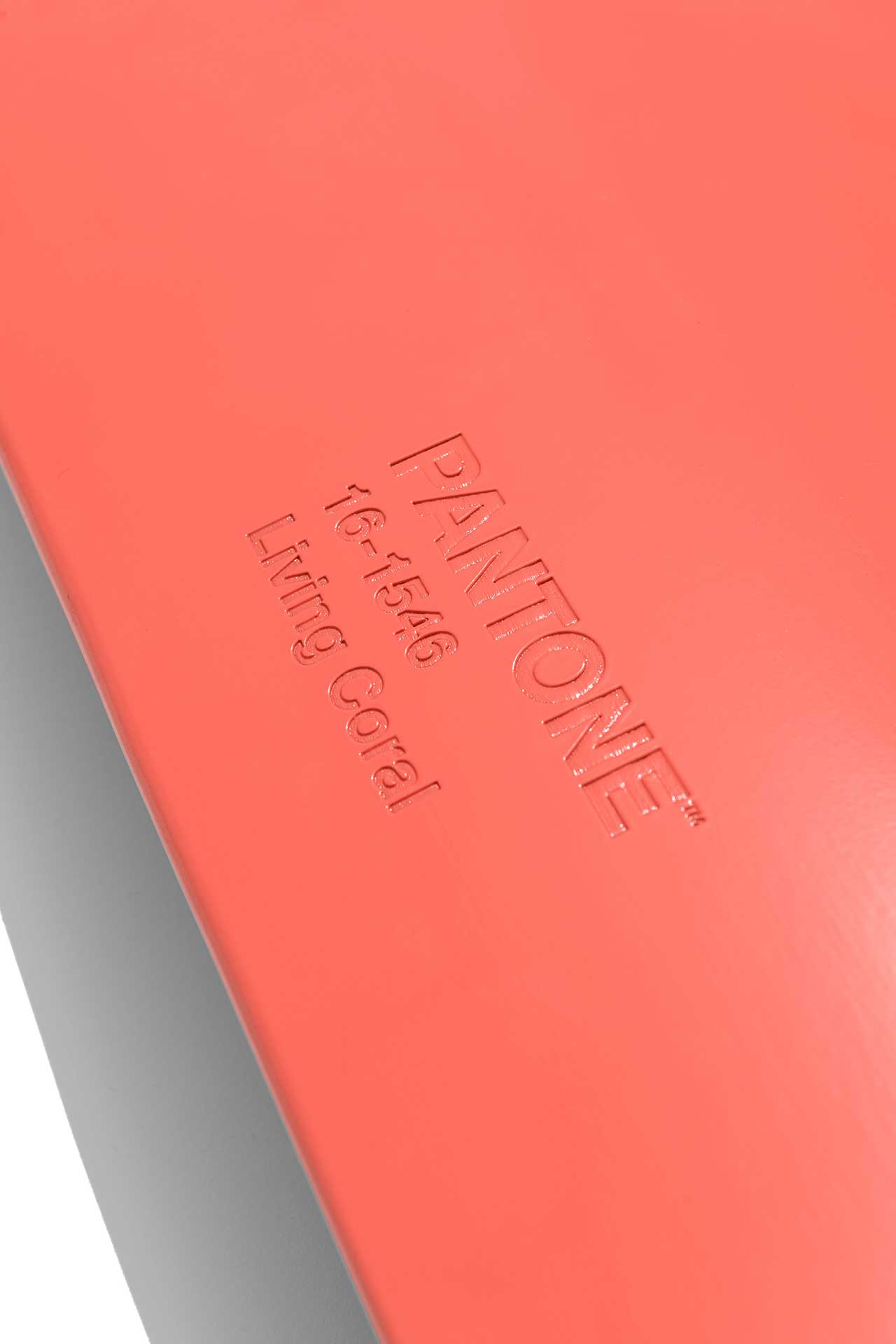 Globe Partners With PANTONE on Limited-Edition Color of the Year Deck Set