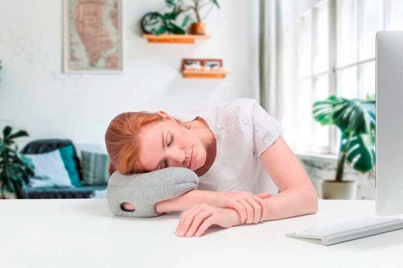 Image of Health 2020 GG Ostrichpillow mini handy pillow 810x540