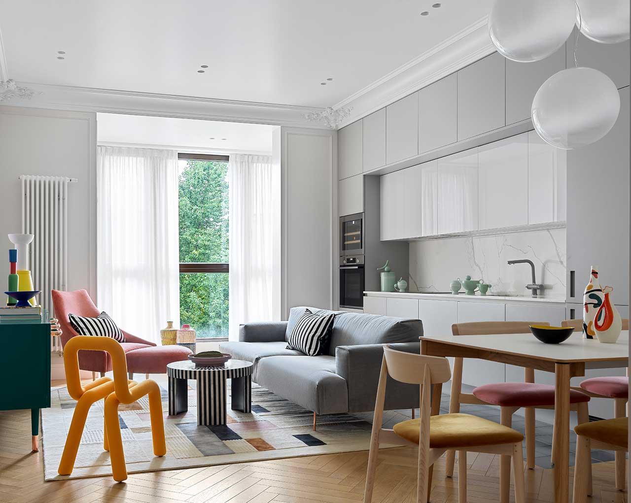 A Colorful Apartment in Moscow With a Parisian Feel