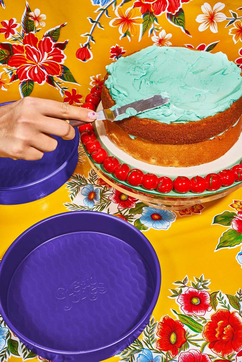 cake pans and cake