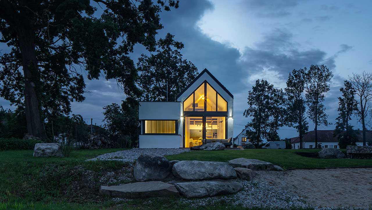 House by the Pond Is an Escape to Nature in South Bohemia, Czech Republic