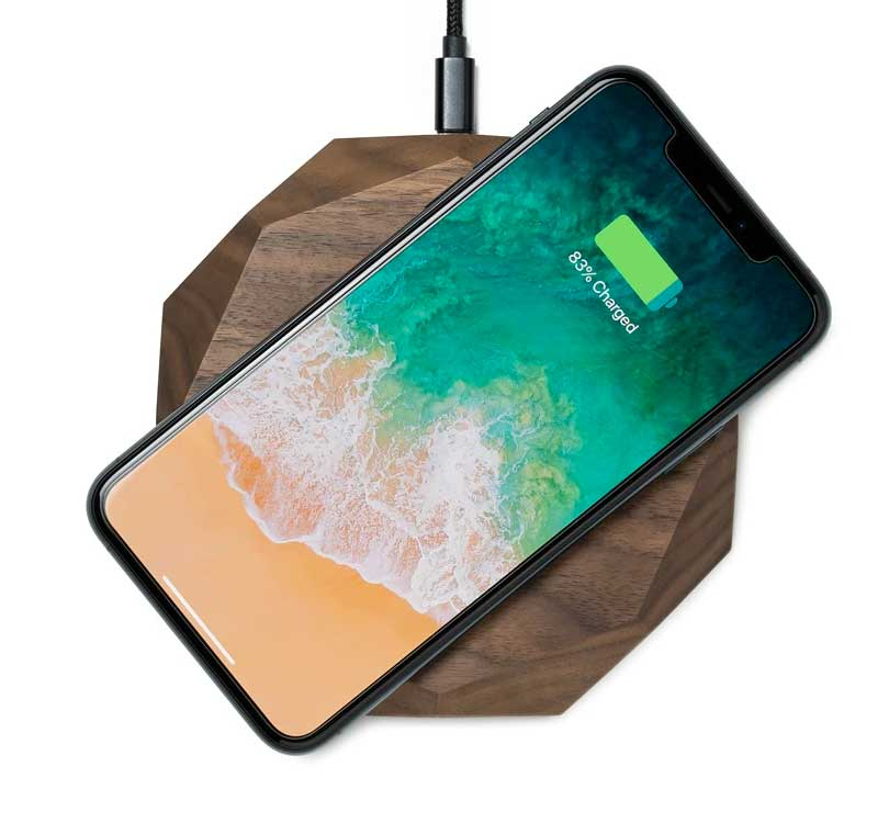 Image of Oakywood WFH Desk Tech 9 qi wireless charger