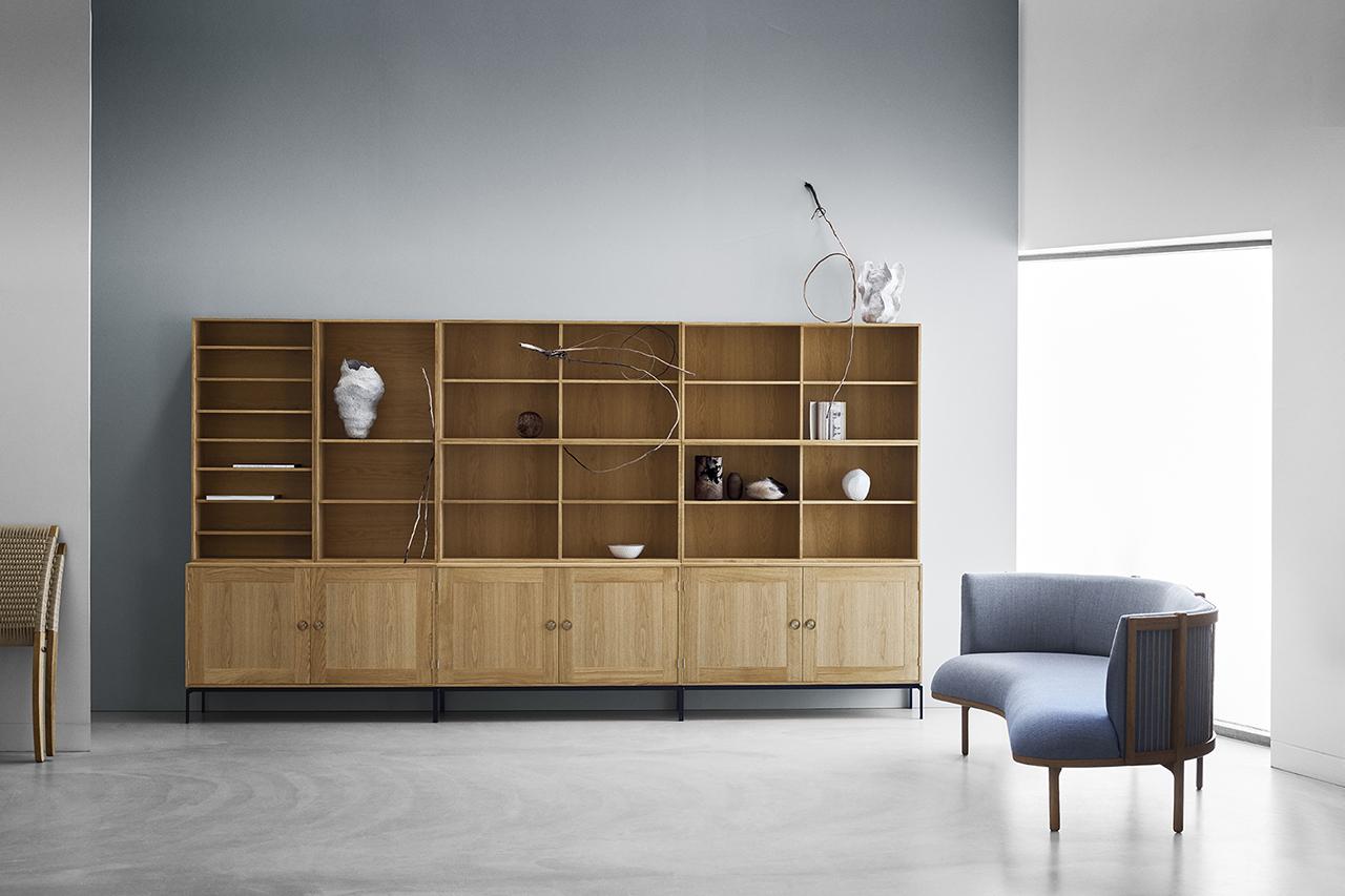 Carl Hansen & Son: The FK63 Bookcase System + the RF1903 Sideways Sofa