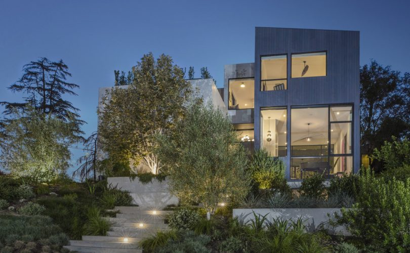 The Garden House in LA Balances Privacy With Full Immersion Into Nature