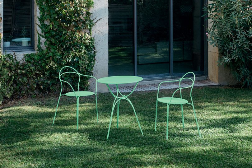 outdoor furniture on lawn