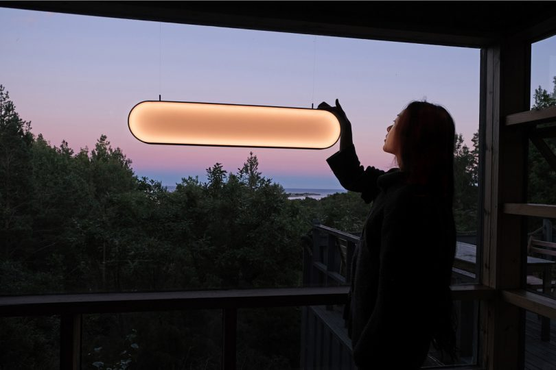 Sunne Is a Solar Light That Captures the Colors of a Sunset
