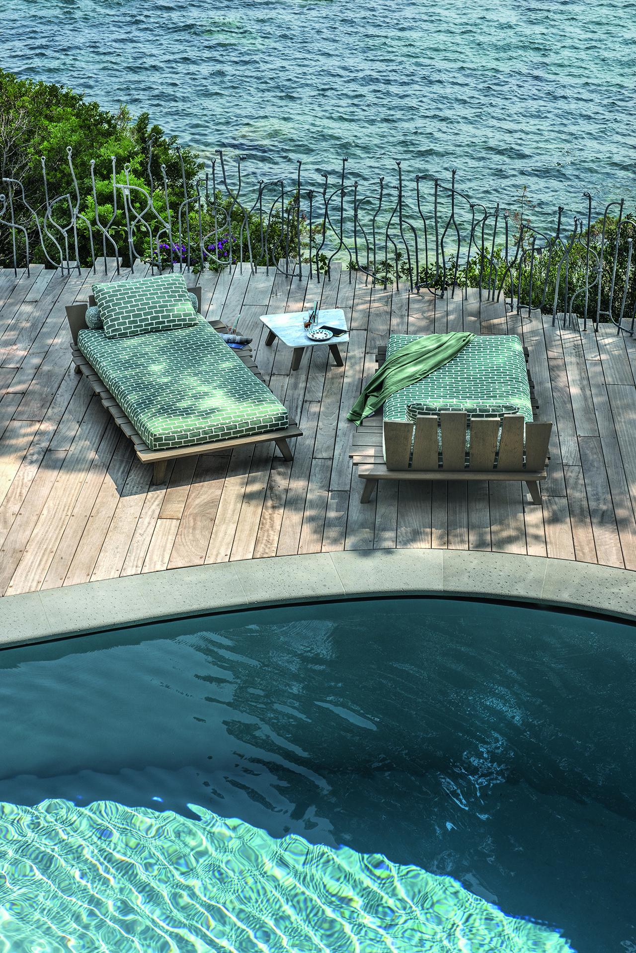 sunbeds poolside