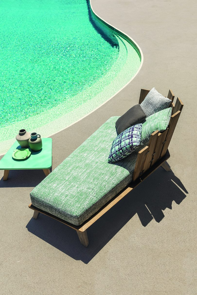 daybed poolside