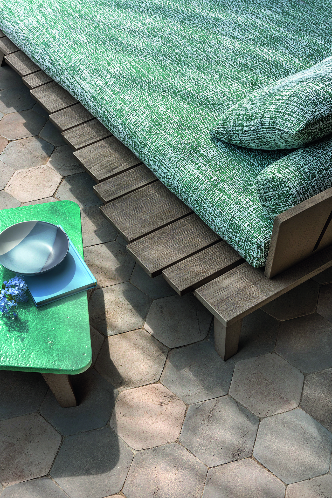 daybed and table detail