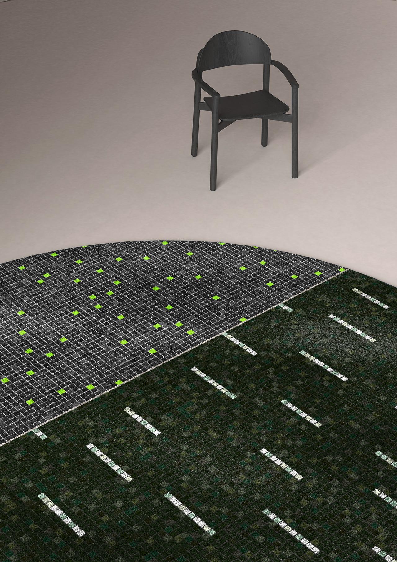 round rug on floor