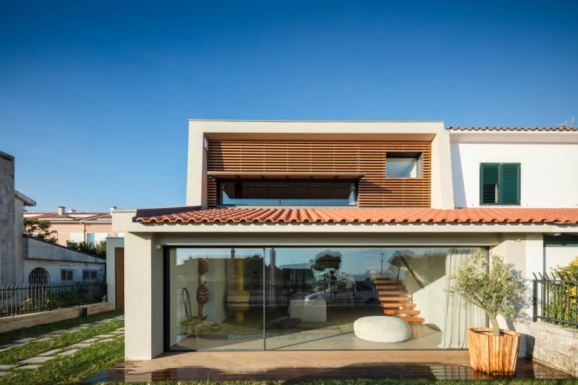 A Neglected 1950s Beach House in Portugal Undergoes a Major Renovation