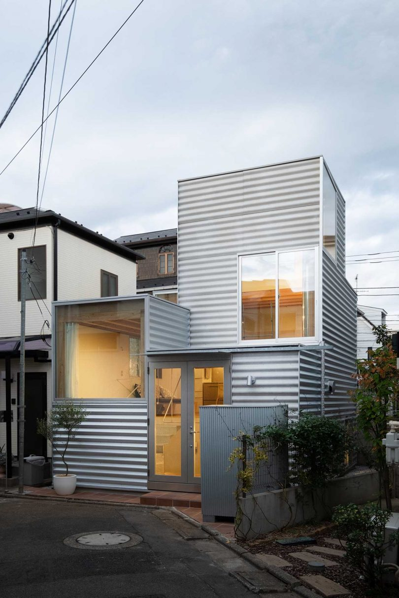 UNEMORI ARCHITECTS Designs House Tokyo With a Compact Footprint