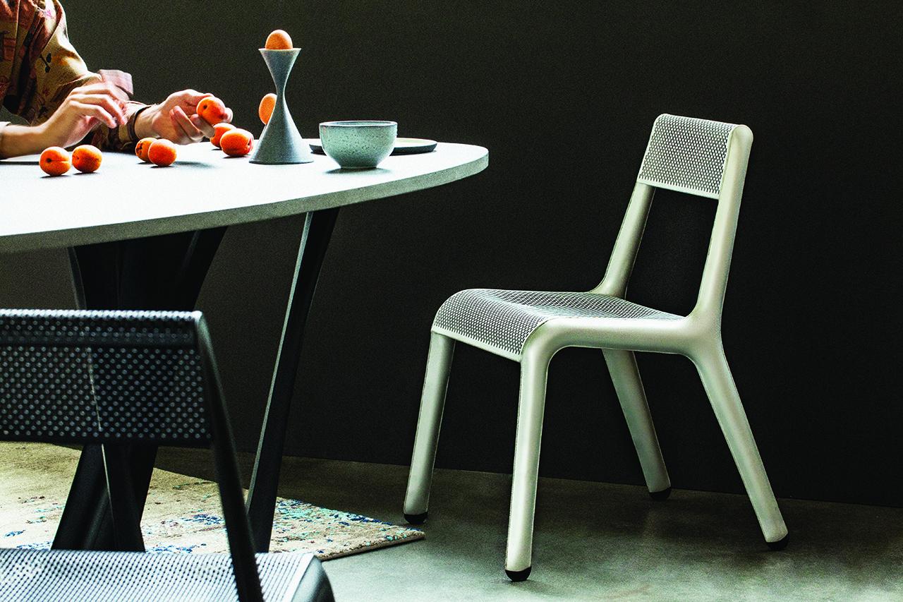 ULTRALEGGERA 1660 Is the World's Lightest Chair