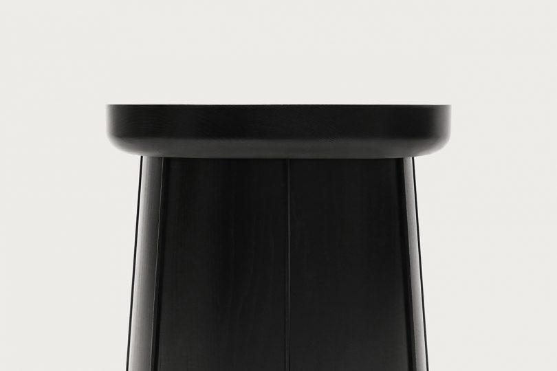 detail black side table