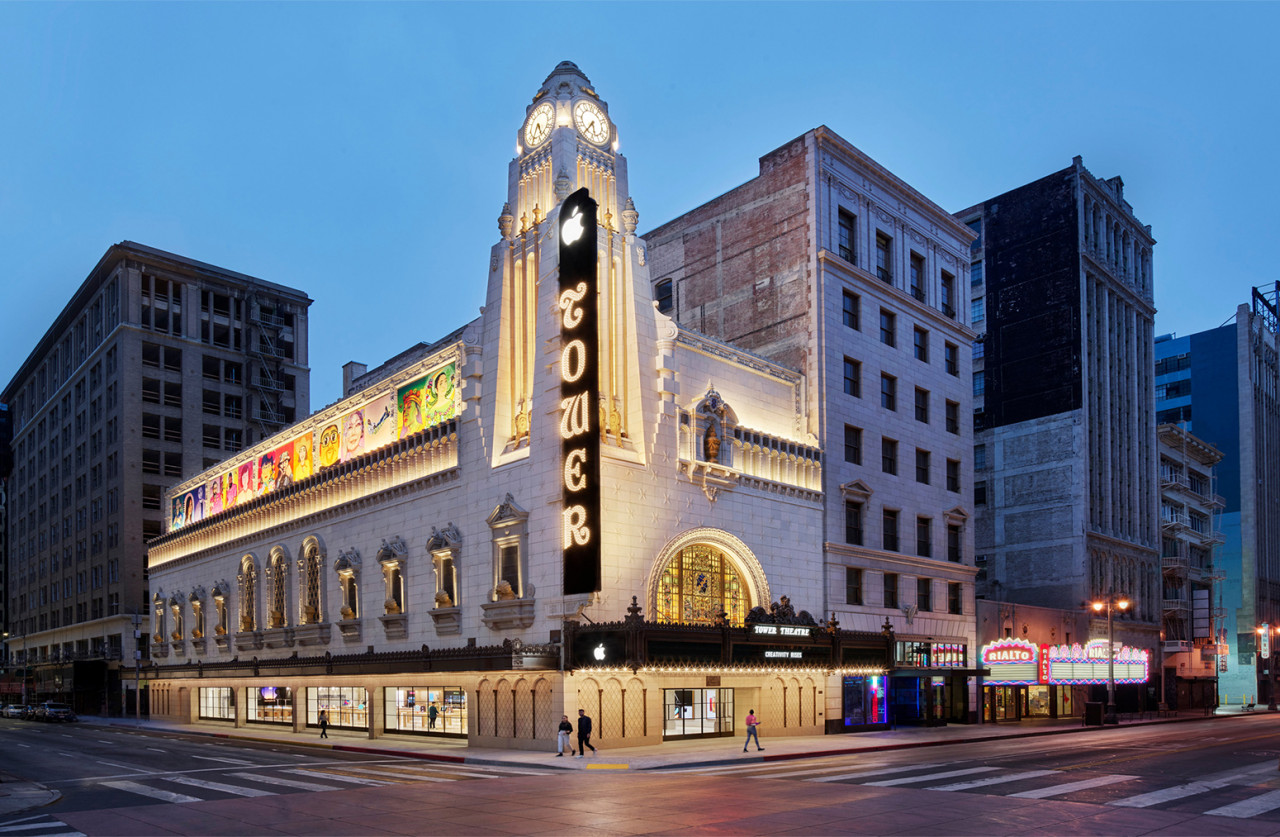 Apple Tower Theatre Opens in Downtown Los Angeles, An Architectural 2.0 Upgrade