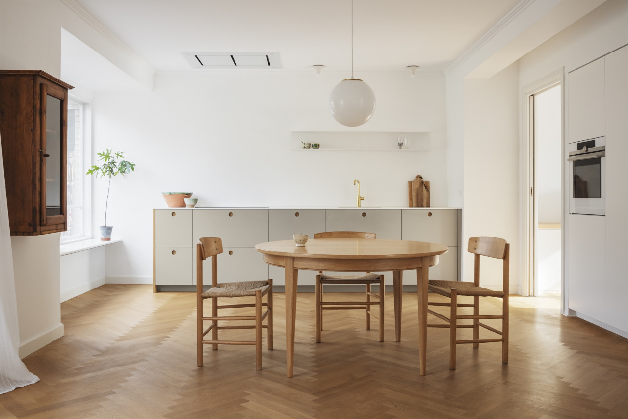 Reform on Creating the Coronary heart of the House (With Cupboards)