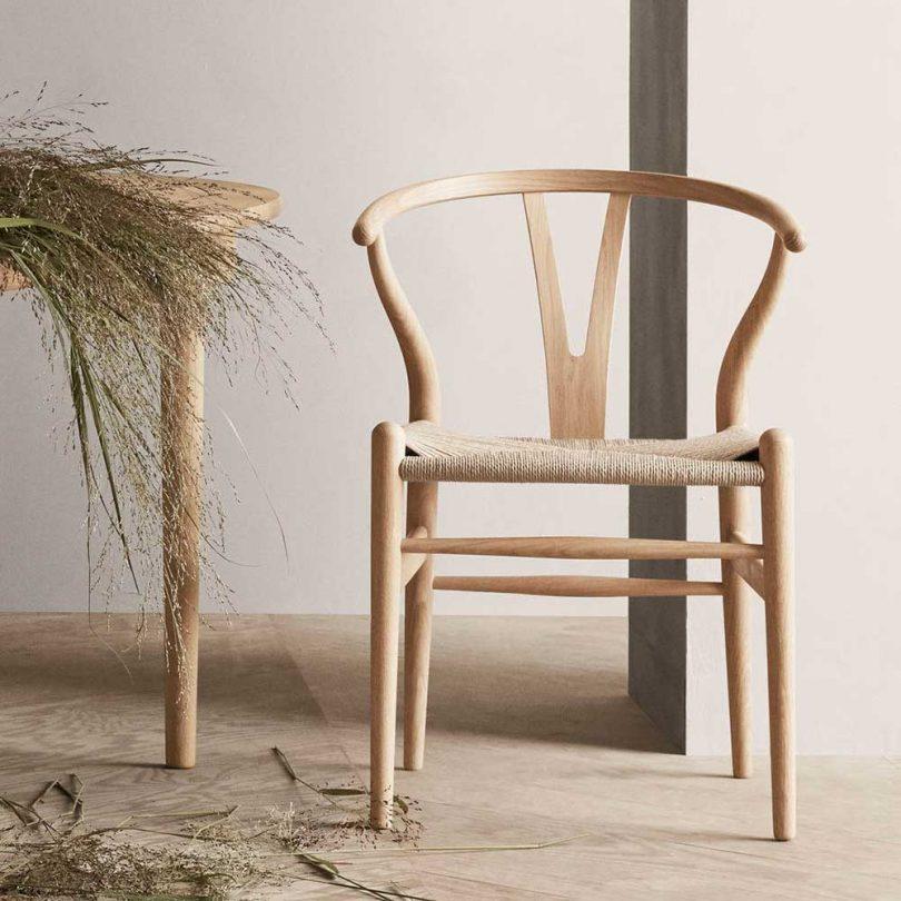 wood Carl Hansen wishbone chair