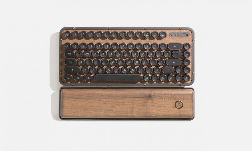 AZIO keyboard RCK ELWOOD 01