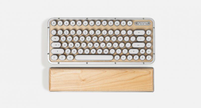 AZIO keyboard RCK MAPLE 01