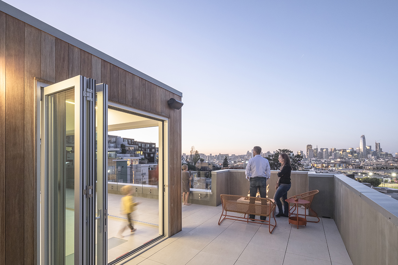 San Francisco rooftop desk and dwelling