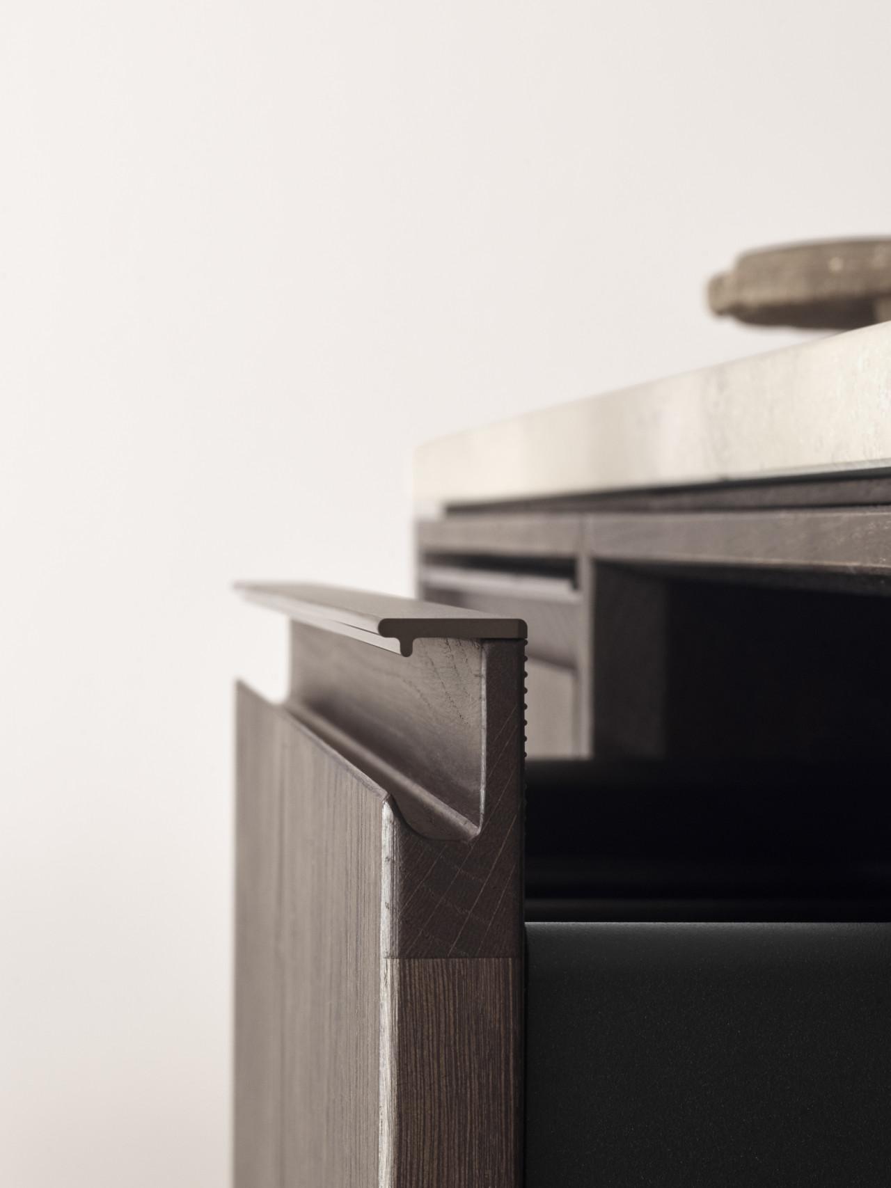 Vipp V2 extruded aluminum drawer grip