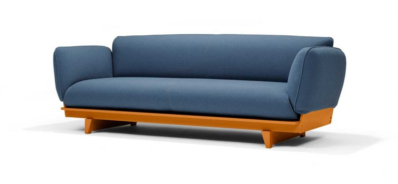 FLOAT SOFA in blue fabric with ocre base